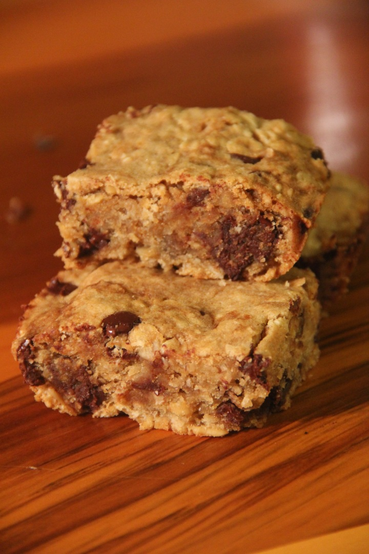Maple Oatmeal Bean Blondies