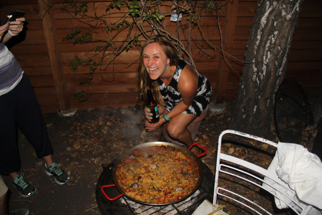 How to Pull off Seafood Paella for Twenty People